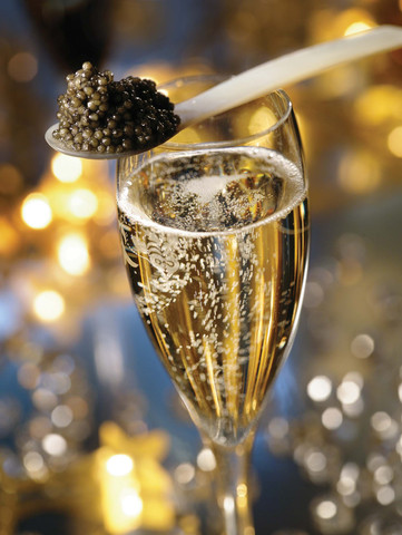 prunier_caviar_champagne_large